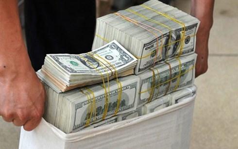 Giá USD tụt dốc xuống dưới 22.200 đồng - 1