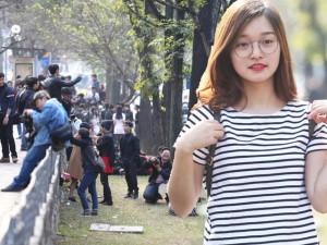 Bạn trẻ - Cuộc sống - Bạn trẻ chen chúc chụp ảnh tại con đường lãng mạn nhất HN