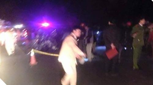 Hai ô tô con đấu đầu, 4 người tử vong tại chỗ - 2