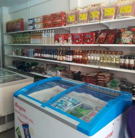 Chợ nước ngoài ở Sài Gòn: Thưởng thức kim chi tại chợ Hàn - 1