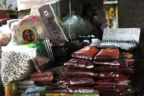 Chợ nước ngoài ở Sài Gòn: Thưởng thức kim chi tại chợ Hàn - 2