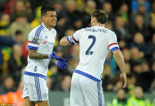 """Norwich - Chelsea: """"Cú phóng điện"""" chớp nhoáng - 1"""