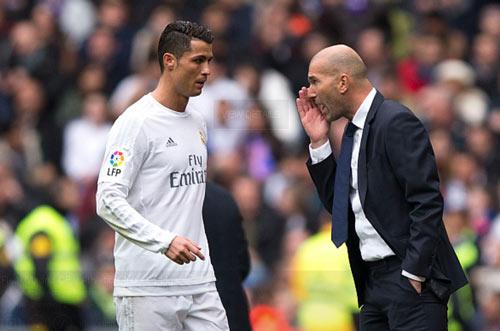 Levante – Real Madrid: Một mình Ronaldo là đủ - 1