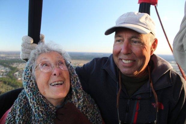 Cụ bà 90 tuổi du lịch vòng quanh TG thay vì điều trị ung thư - 2