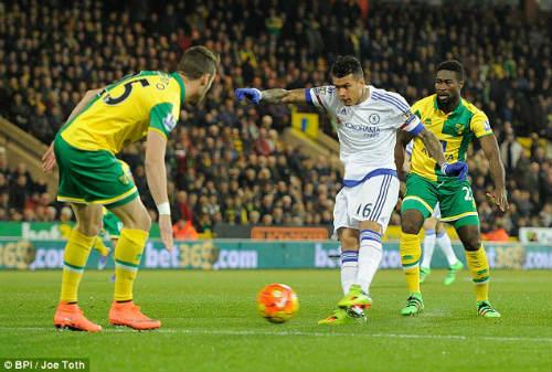 Tài năng trẻ bị Mourinho đầy đọa có bàn thắng lịch sử - 1