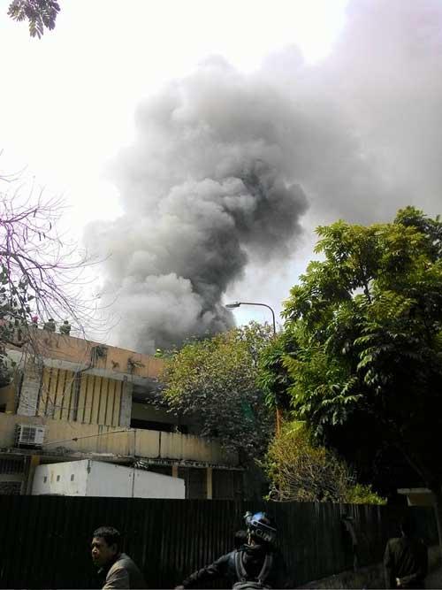 Cháy lớn tại Cung Thiếu nhi Hà Nội - 1