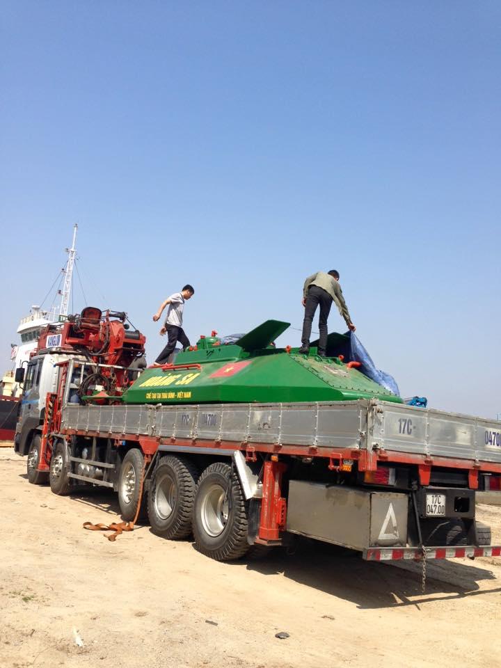 """Chủ tịch tỉnh Thái Bình bất ngờ """"vi hành"""" tàu ngầm Hoàng Sa - 3"""