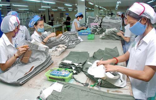Vì sao Campuchia vượt Việt Nam xuất khẩu dệt may vào EU? - 1