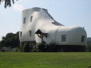 Chuyện lạ - Bộ sưu tập những ngôi nhà kỳ quái nhất thế giới