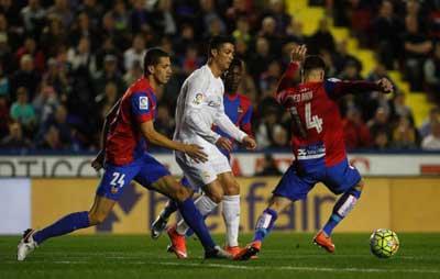 """Chi tiết Levante - Real Madrid: Isco """"đóng hòm"""" (KT) - 3"""