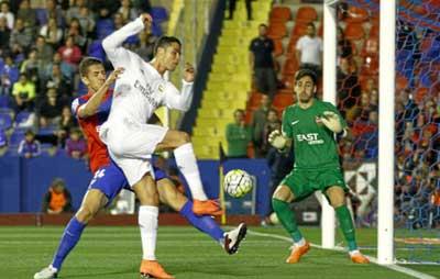 """Chi tiết Levante - Real Madrid: Isco """"đóng hòm"""" (KT) - 4"""