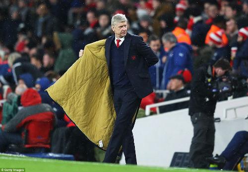 Vấn đề của Arsenal nằm ở... Arsene Wenger - 1
