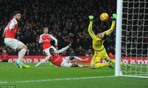 Vấn đề của Arsenal nằm ở... Arsene Wenger - 2