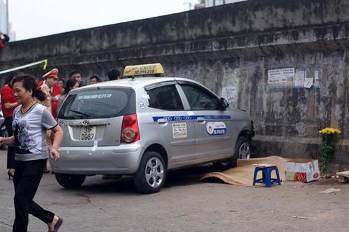 """Hà Nội: Thêm một xe """"điên"""" gây tai nạn chết người - 1"""