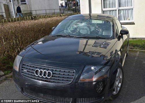 Bi hài chuyện ăn mày bị trộm... xế hộp Audi bạc tỉ - 5