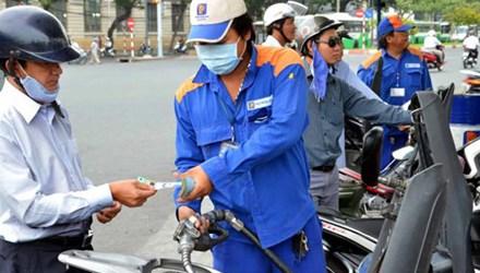 Giữ nguyên giá xăng dầu trong nước dù giá thế giới tăng - 1