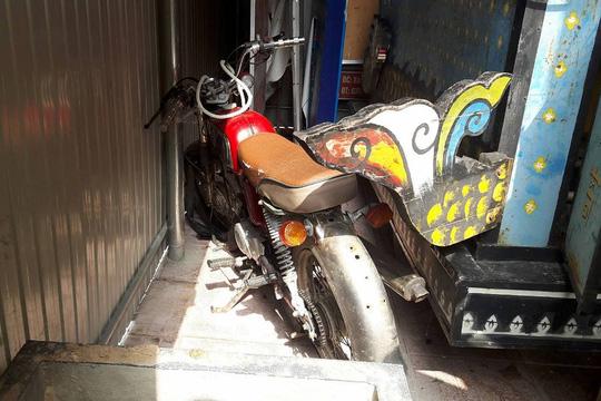 Khổ chủ không đến, công an xã bán xe máy tai nạn - 1