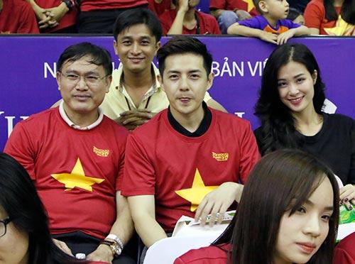 Miu Lê, Đông Nhi & người đẹp làm nóng sân bóng rổ - 7