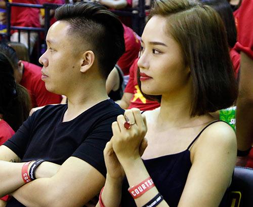 Miu Lê, Đông Nhi & người đẹp làm nóng sân bóng rổ - 6