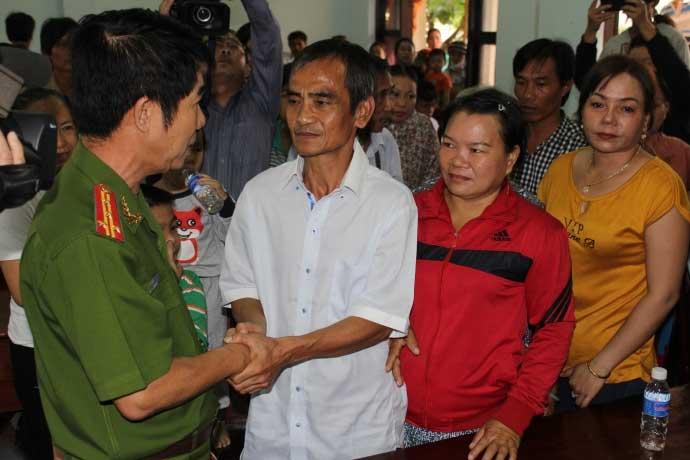 Chủ tọa xử oan ông Huỳnh Văn Nén chỉ bị phê bình - 1