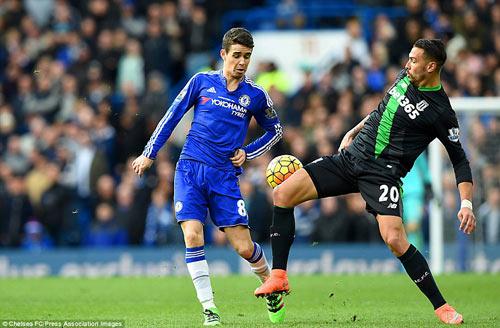 Hiddink không vui dù cùng Chelsea lập kỷ lục mới ở Anh - 1