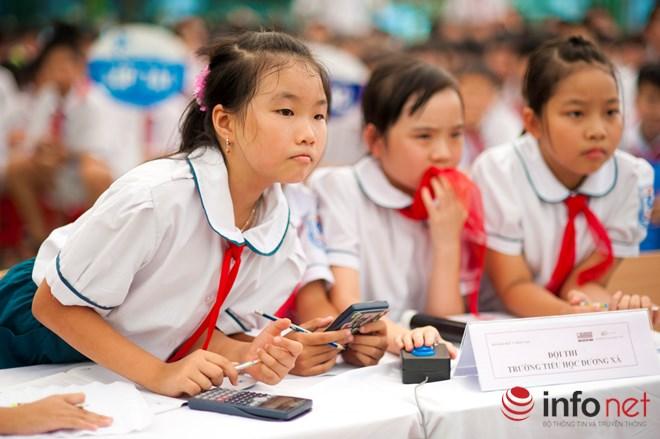 Đề thi ViOlympic quá khó khiến học sinh bật khóc, giáo viên lo lắng - 1