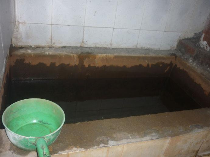 Cám cảnh xếp hàng chờ vệ sinh giữa Hà Nội - 5