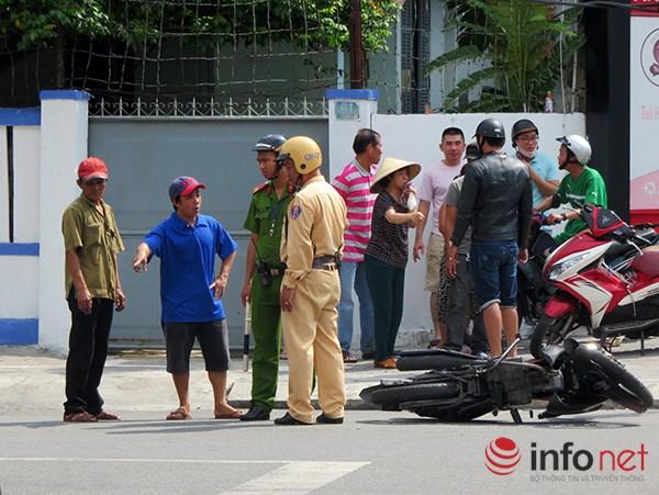 Đà Nẵng: Du khách quốc tế chụp ảnh TNGT do tranh nhau vượt đèn đỏ - 3