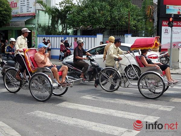 Đà Nẵng: Du khách quốc tế chụp ảnh TNGT do tranh nhau vượt đèn đỏ - 5