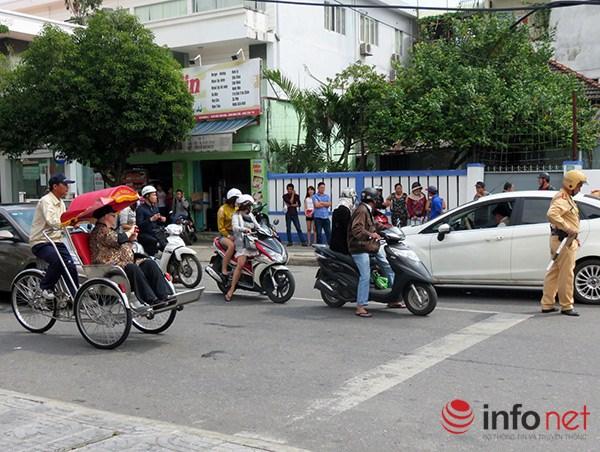 Đà Nẵng: Du khách quốc tế chụp ảnh TNGT do tranh nhau vượt đèn đỏ - 8