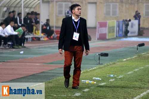 """""""So găng"""" derby Hà Nội, Thanh Hào nhập viện khẩn cấp - 3"""