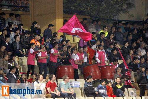 """""""So găng"""" derby Hà Nội, Thanh Hào nhập viện khẩn cấp - 2"""