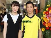 Thể thao - Tiến Minh rạng rỡ bên bạn gái trong ngày làm ông chủ