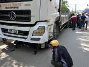 Tai nạn giao thông - Xe tải tông chết 2 mẹ con, dân lập thùng quyên góp tại chỗ