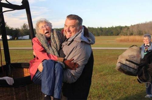 Cụ bà từ chối điều trị ung thư để đi du lịch khắp nơi - 6