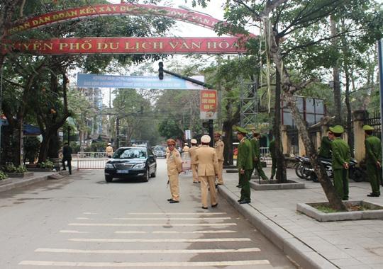 Thắt chặt an ninh cuộc đối thoại giữa Bí thư Thanh Hóa và dân Sầm Sơn - 4