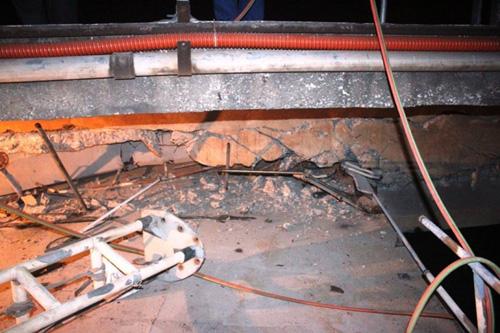 Nguy cơ sập cầu An Thái sau khi bị tàu 3.000 tấn đâm - 5