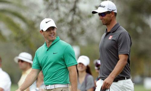 """Golf 24/7: McIlroy """"sập hầm"""", Scott lại vô địch - 1"""