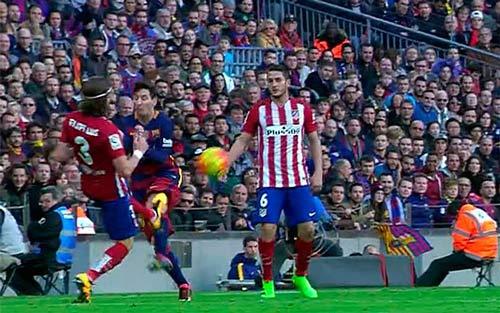 """Cựu SAO Chelsea """"tố"""" Messi được La Liga """"bảo kê"""" - 1"""