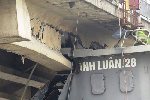 Xem xét khởi tố vụ tàu đâm hỏng cầu An Thái - 1
