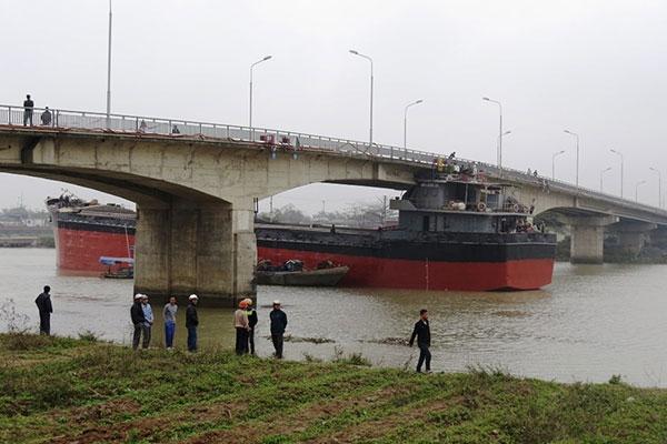 Xem xét khởi tố vụ tàu đâm hỏng cầu An Thái - 2