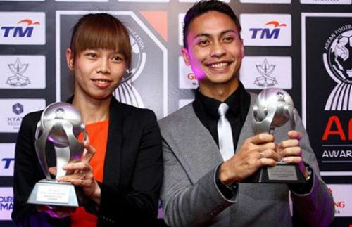 Bóng đá châu Á ca ngợi những 'đóa hồng' Việt - 2