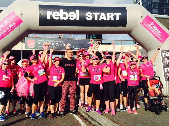 """Úc: Chục ngàn """"bóng hồng"""" chạy gây quỹ ung thư vú ngày 8.3 - 5"""