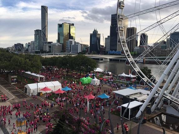 """Úc: Chục ngàn """"bóng hồng"""" chạy gây quỹ ung thư vú ngày 8.3 - 4"""