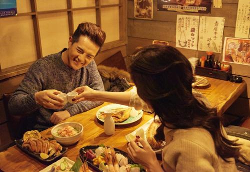 Đông Nhi, Ông Cao Thắng kỷ niệm 7 năm yêu tại Nhật - 5