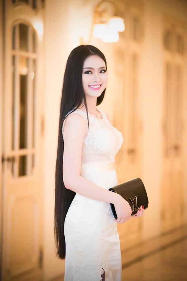 Người kế nhiệm Triệu Thị Hà là Nguyễn Thị Ngọc Anh, sinh năm 1993. Cả hai người đẹp đều được cộng đồng đánh giá cao về nhan sắc.