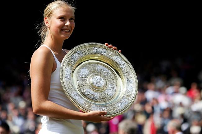 Năm 2005, Sharapova trở thành tay vợt Nga đầu tiên vươn lên vị trí số 1 trên BXH WTA.