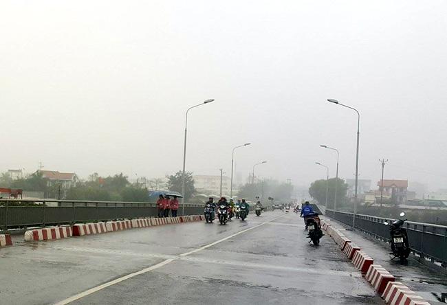 Một số loại xe đã được lưu thông qua cầu An Thái - 2