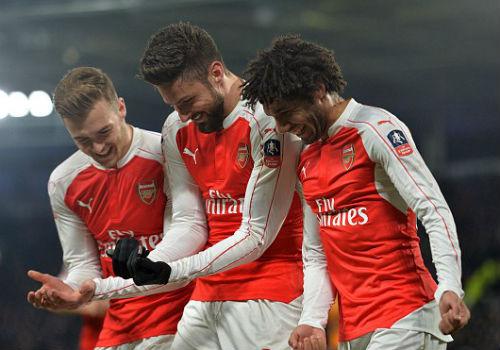 """Hull - Arsenal: """"Chân gỗ"""" sắm vai người hùng - 1"""