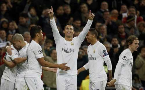 Ronaldo thăng hoa nhờ sắp lên chức cha lần 2? - 2